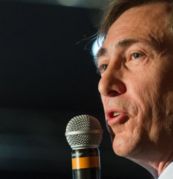 [ France Info ] Après son ralliement à Nicolas Dupont-Aignan, l'ex-FN Bernard Monot vante «le courage» et «les idées claires» du leader de Debout la France
