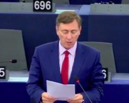 [ Vidéo ] Bernard Monot face à Jean-Claude Juncker.