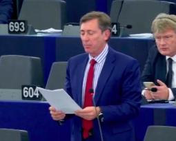 [ Vidéo ] Bernard Monot sur le bilan d'Angela Merkel en Allemagne et en Europe.