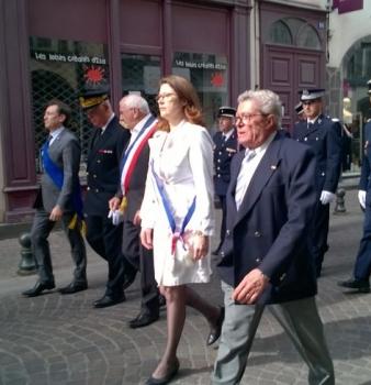 Bernard Monot, député européen, et Stanislas Chavelet, conseiller régional, ont participé à la commémoration du 8 mai à Riom